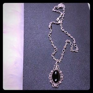 Jewelry - Vintage, antique style necklace!